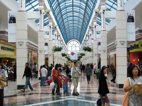 Here are six outlets in Canada, and four in the States for you to check out! Top 10 Outlet Malls Near Vancouver Canada. Queensborough Landing is located at Boyd Street in New Westminster. Here you can find 35 acres of shopping. Their stores include .